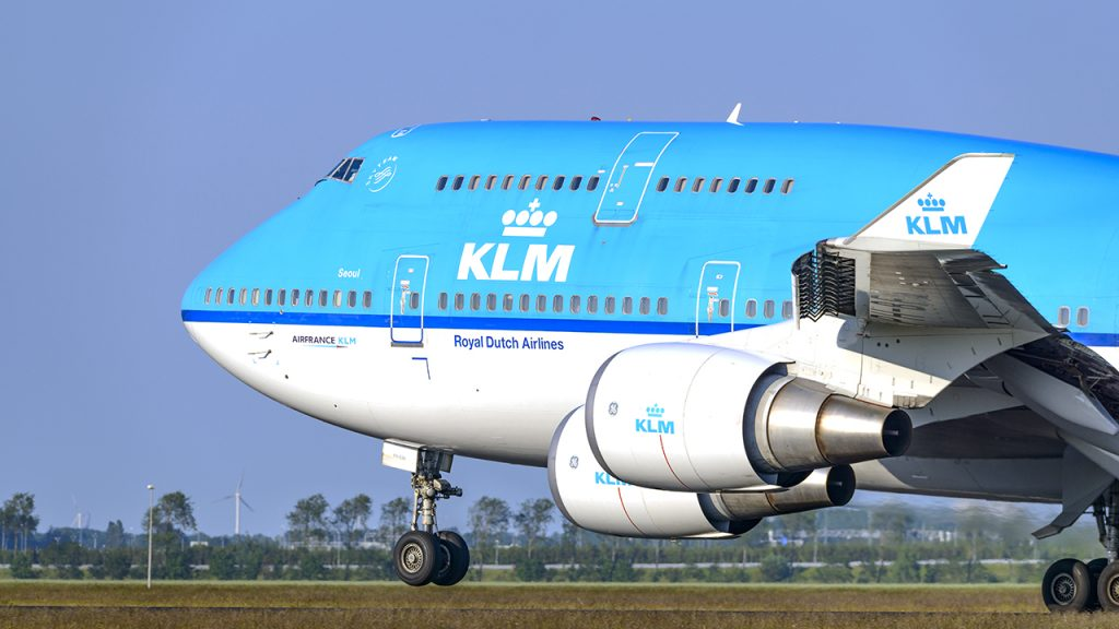 Dutch government halts KLM bailout amid a crisis over conditions