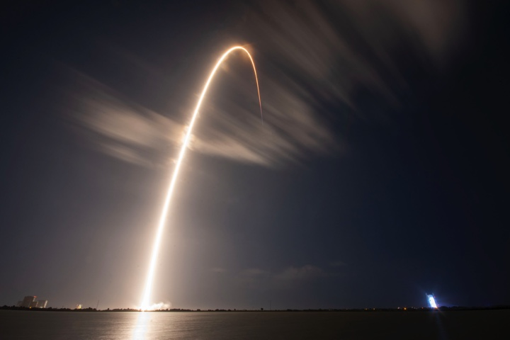 SpaceX launches GPS navigation satellite from Cape Canaveral – Spaceflight Now