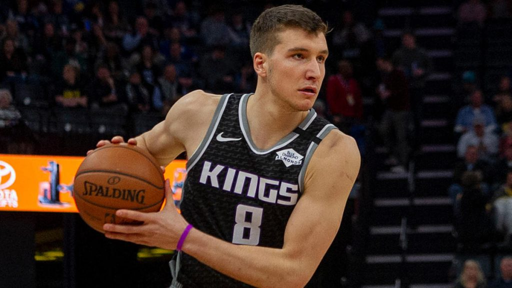 The Bucks appealed to Bogdanovi in ​​signing and trading, sending Devensenzo, Ilyasova, and Wilson to Kings, for every report.