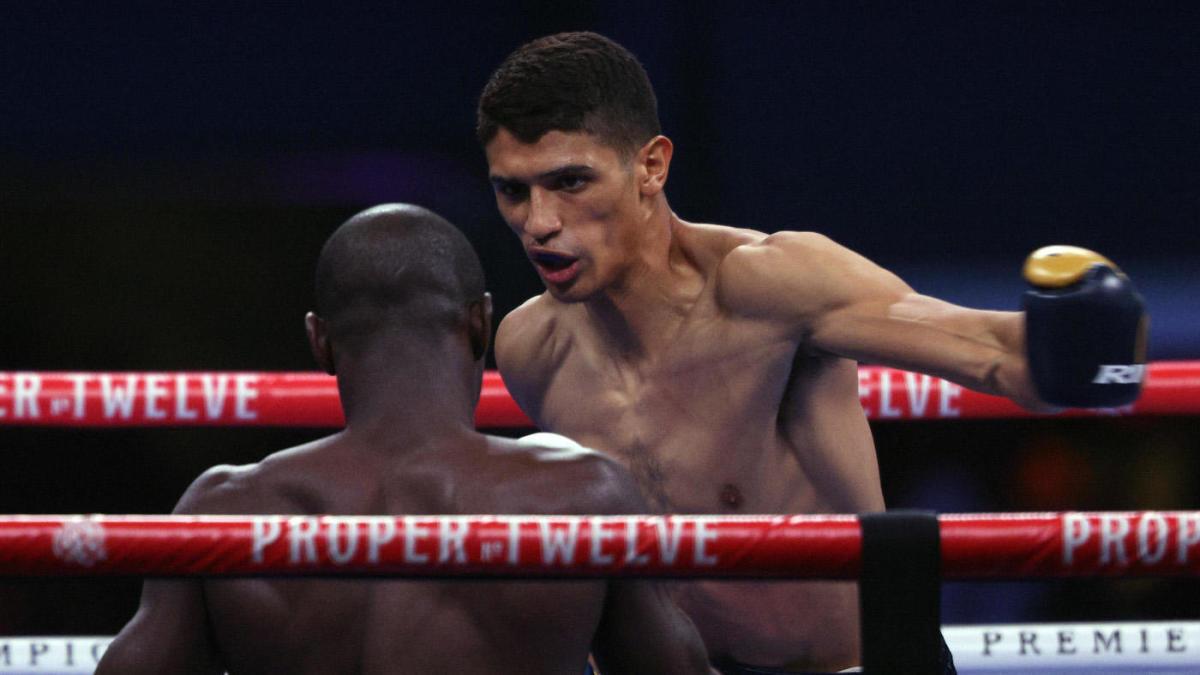 Sebastian Fundora beats Habib Ahmed on his way to the second round in TKO over Spence vs. Garcia Undercard