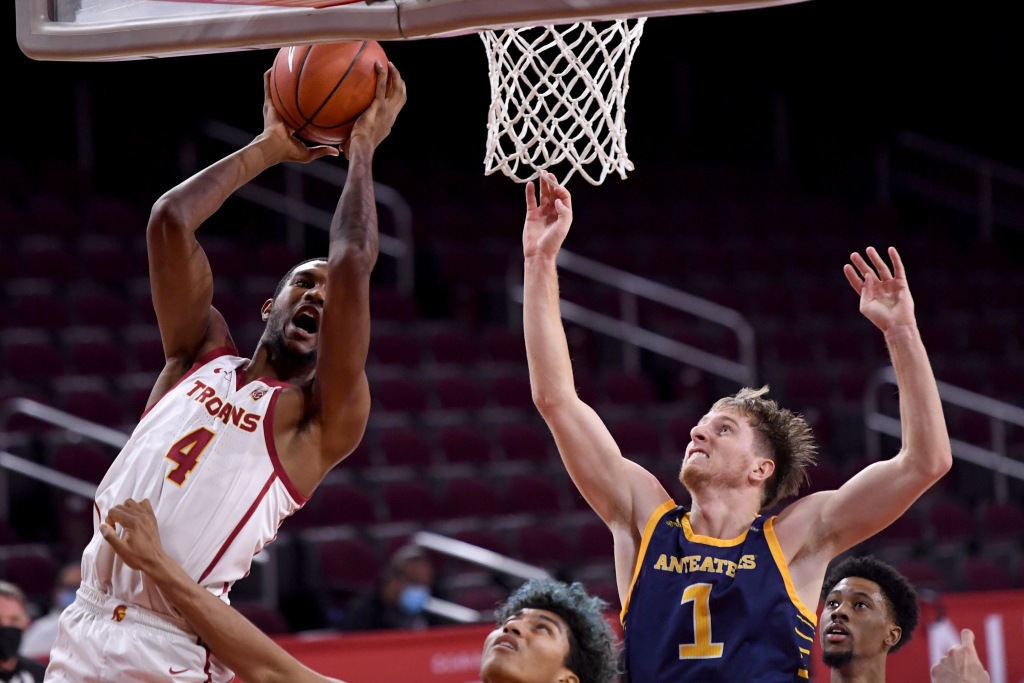 USC Basketball recovers with beating University of California, Irvine – Orange County Record