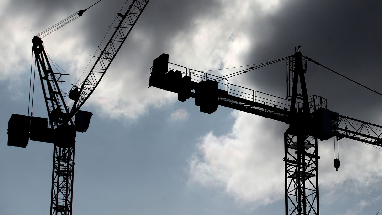 Covid-19: UK economy remains below pre-epidemic level of 7.9% as growth slows |  Business news