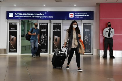 According to the health file, 394 passengers have arrived from England in the past 10 days