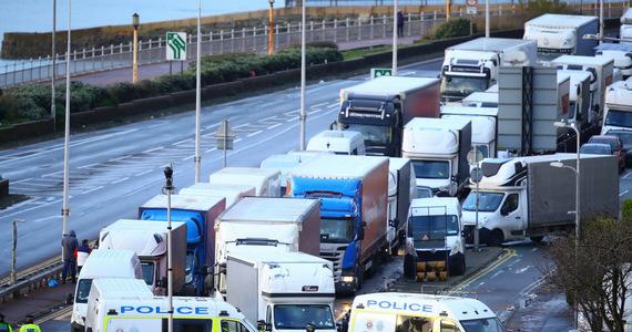 Drivers are stuck in Dover.  The European media appreciate the Polish assistance