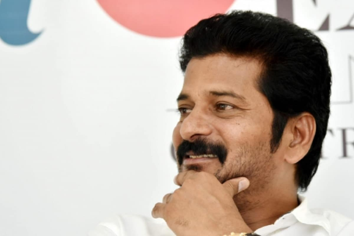 News18 Telugu – Revanth Reddy: The Tollywood producer who defeated Revanth Reddy is the President of PCC    Comedian Pandla Ganesh, Tollywood producer, supports Revanth Reddy in a tpcc head race