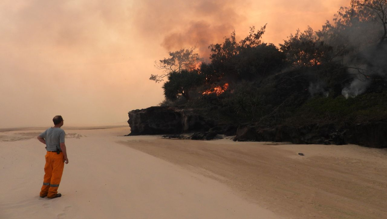 Australia: Heatwave brings new fires and record warmth