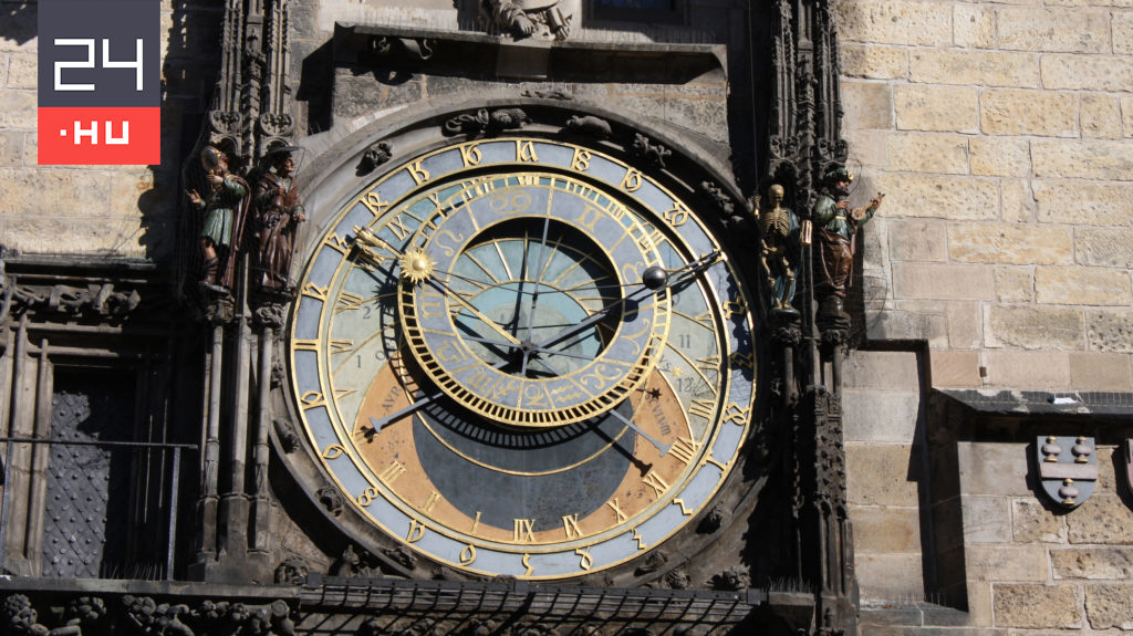 In 14 billion years, this clock is wrong for 0.1 second