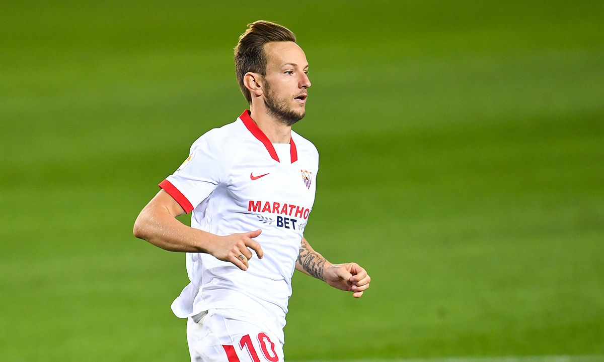 """Ivan Rakitic before the Sevilla-Real Madrid match: """"We have to go for them"""""""