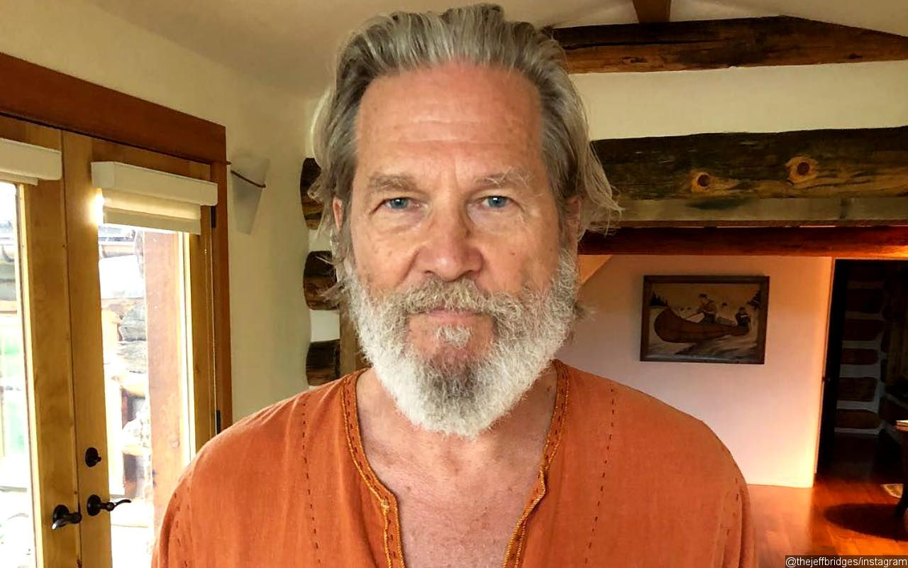Jeff Bridges shows a shaved head providing an update on Cancer