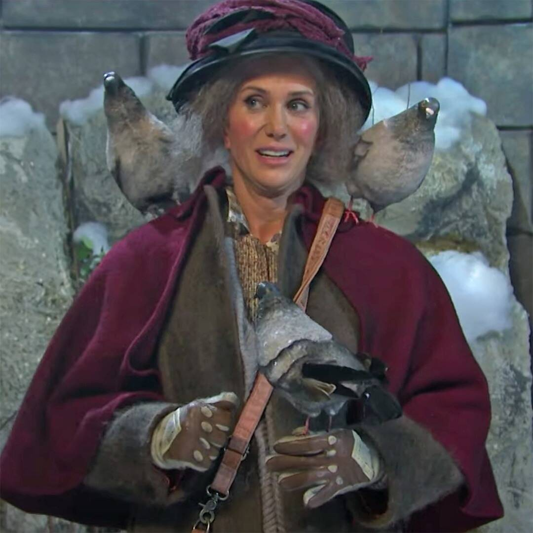 Kristen Wiig plays Home Alone 2's Pigeon Lady on SNL