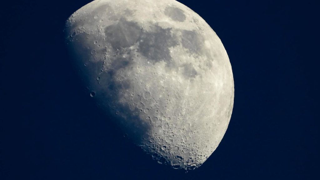 Chinese spacecraft takes off from moon with samples