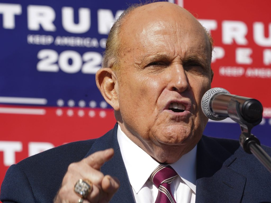 Giuliani asks Trump for pre-emptive pardon before president leaves office