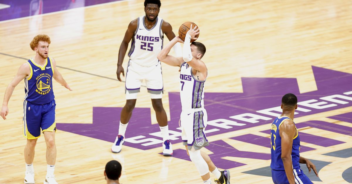 Sacramento Kings player Kyle Jay scores the match against the Golden State