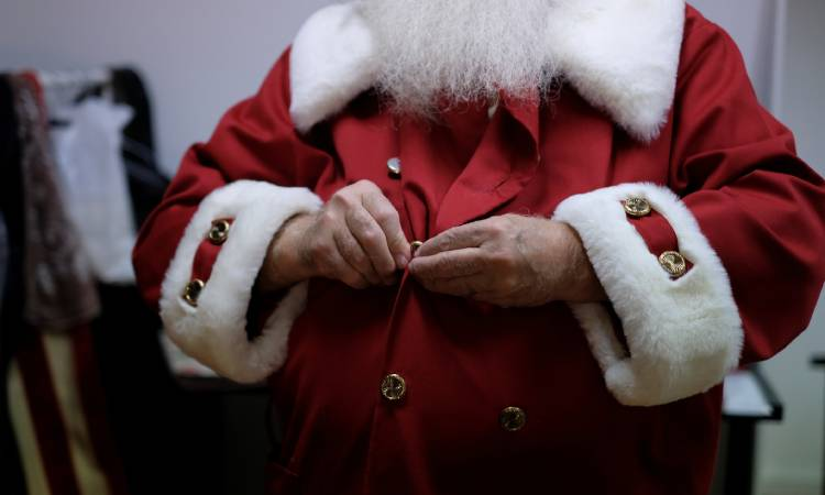 Santa Claus sends a message to children about COVID-19 from Finland