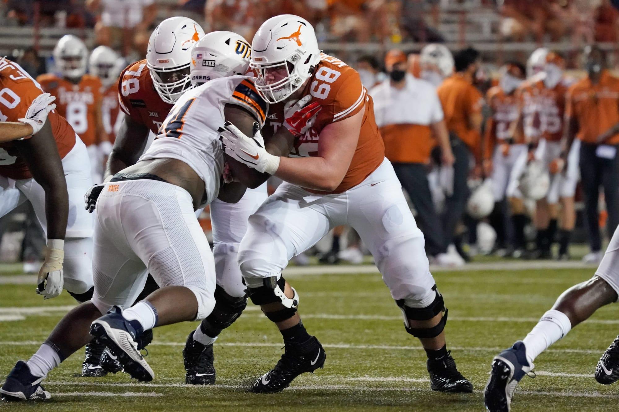 Texas man Derek Kirsteter suffers a devastating leg injury versus Kansas