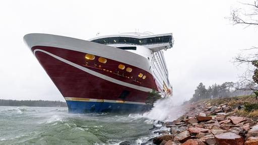 """""""Viking Grace"""" in the Baltic Sea: the ferry runs off Finland"""