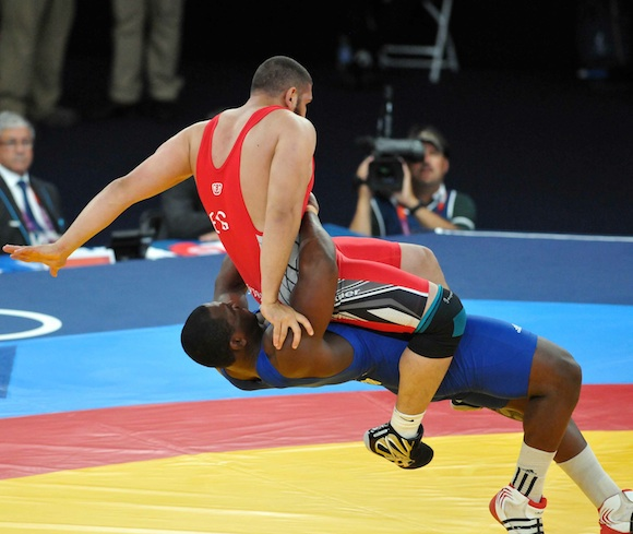 Olympic champions and worlds in teams from Cuba and the United States at Grand Prix Wrestling in Nice