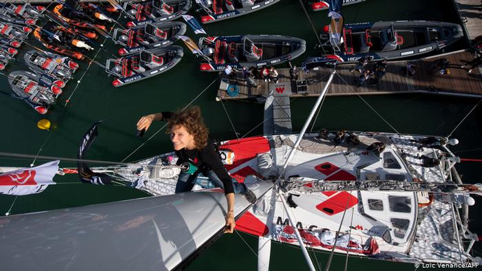 BdTD France    Prepare for the non-stop Vendée Globe boat race for sailors with one hand