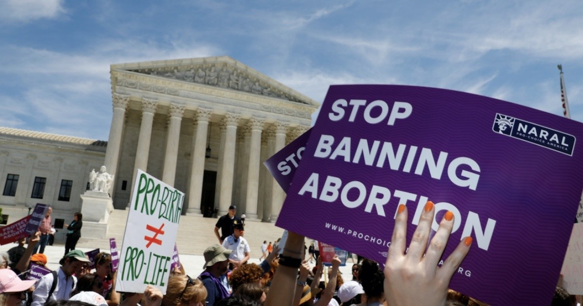 Biden cancels rules limiting access to abortion in the United States