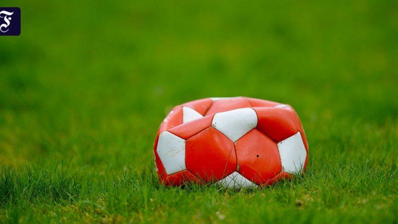 "David Goldblatt with ""Age of Football"""