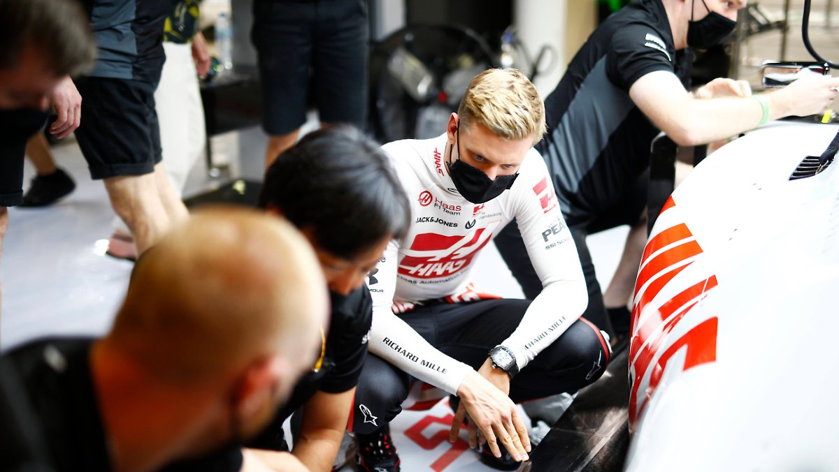 Train Like Father Michael: Mick Schumacher's complex F1 starts
