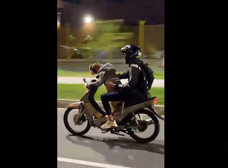 An unusual video of a dog riding a motorcycle in Medellin