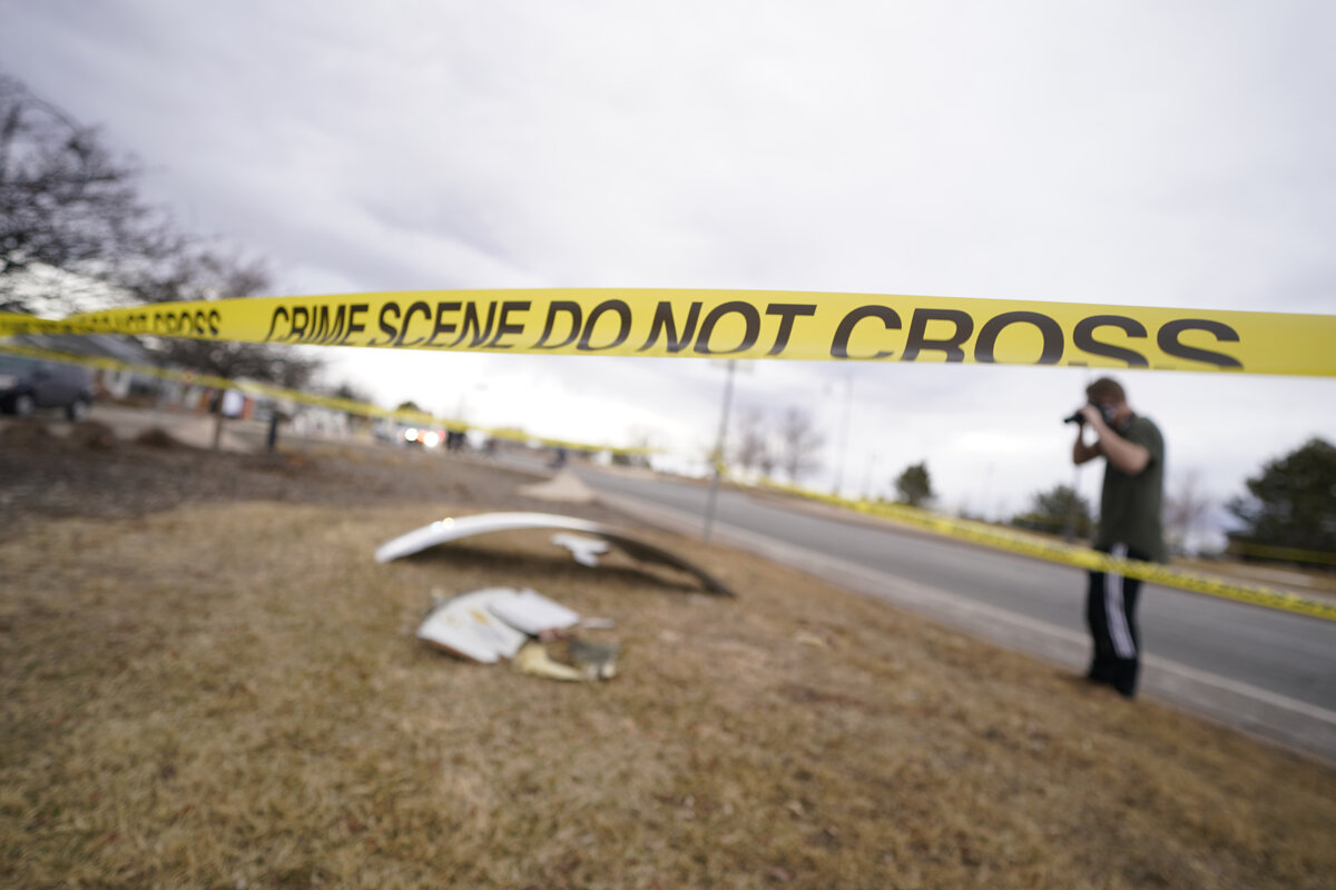 Fragments of a burning Boeing aircraft fell in a residential area near Denver