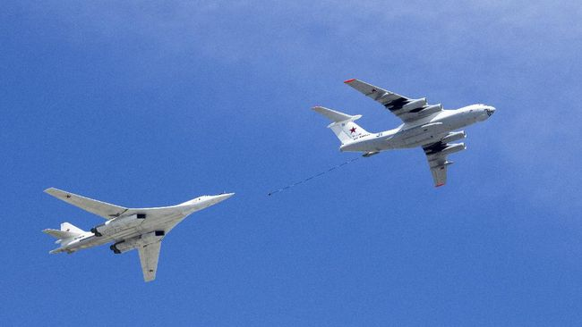 Rising tension, China drops 10 bombers in the South China Sea