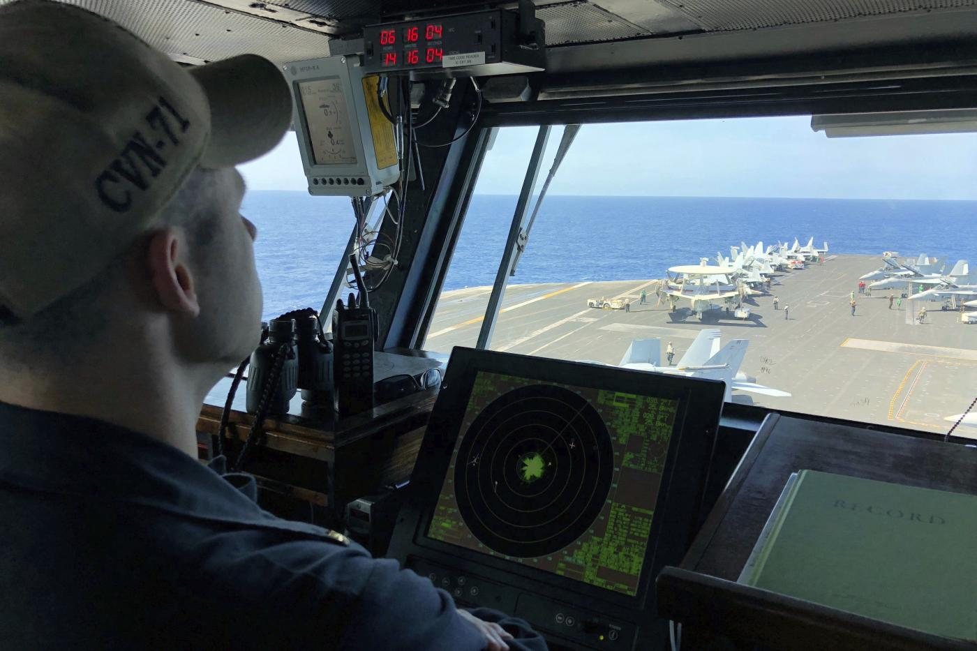 Tension between China and the United States for two aircraft carriers in the South China Sea