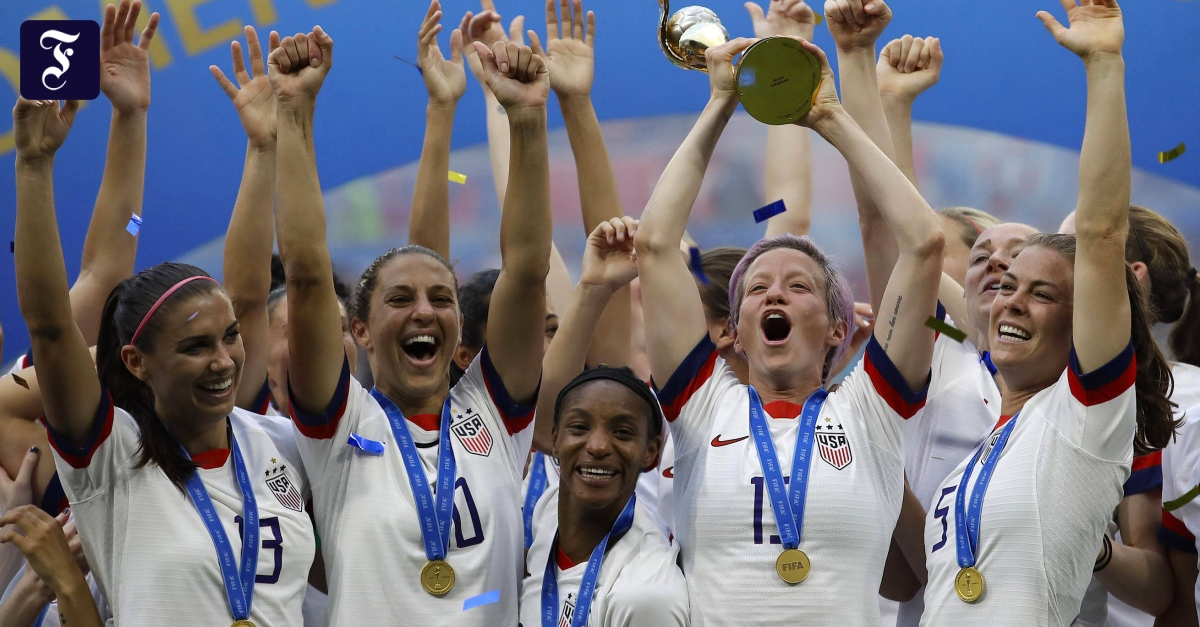 Women soccer fail before they file a salary lawsuit in court