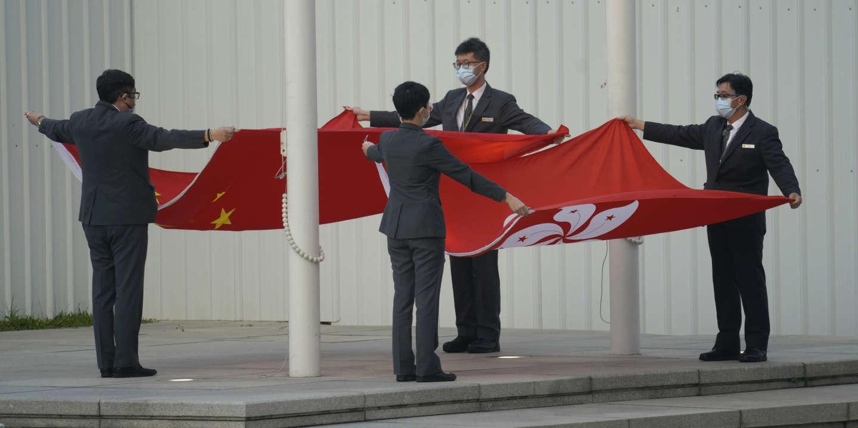 """The UK accuses China of """"violating"""" its Hong Kong obligations"""