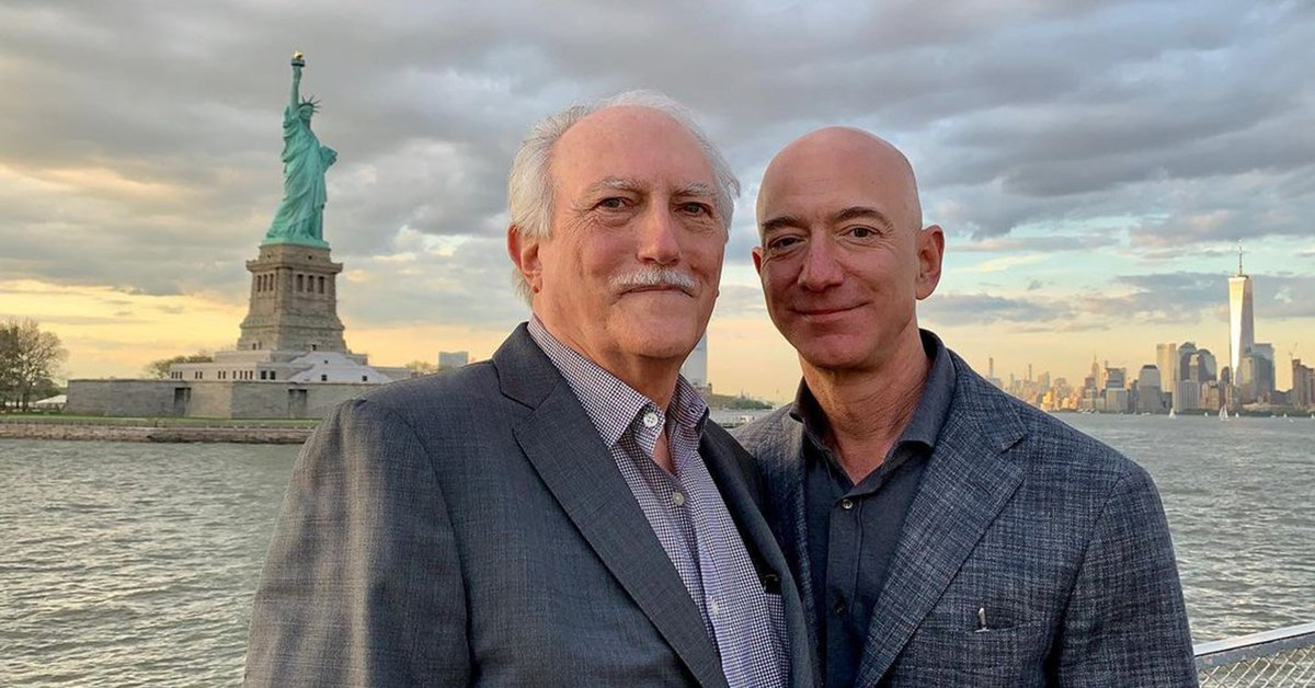 Jeff Bezos' emotional message about the dreamers and his father
