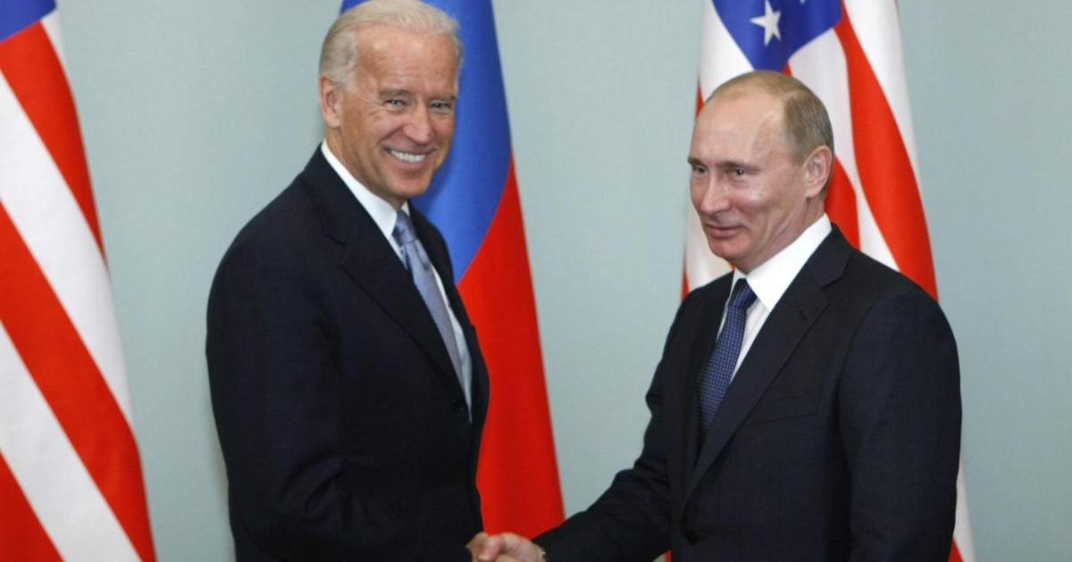 "Biden describes Putin as a ""killer"".  He answers: He who said that knows that.  Borel (European Union): ""There is a long list of murders in Russia"""