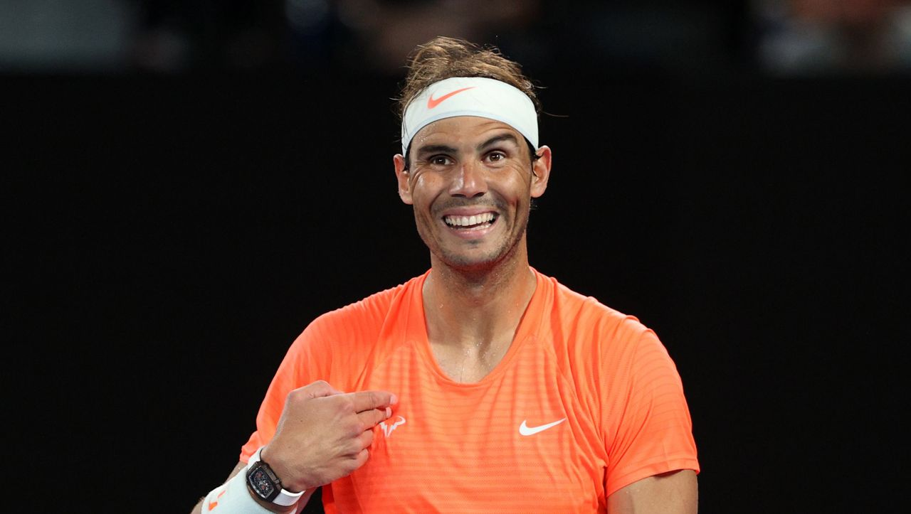 Australian Open: Rafael Nadal sees the middle finger and stays calm