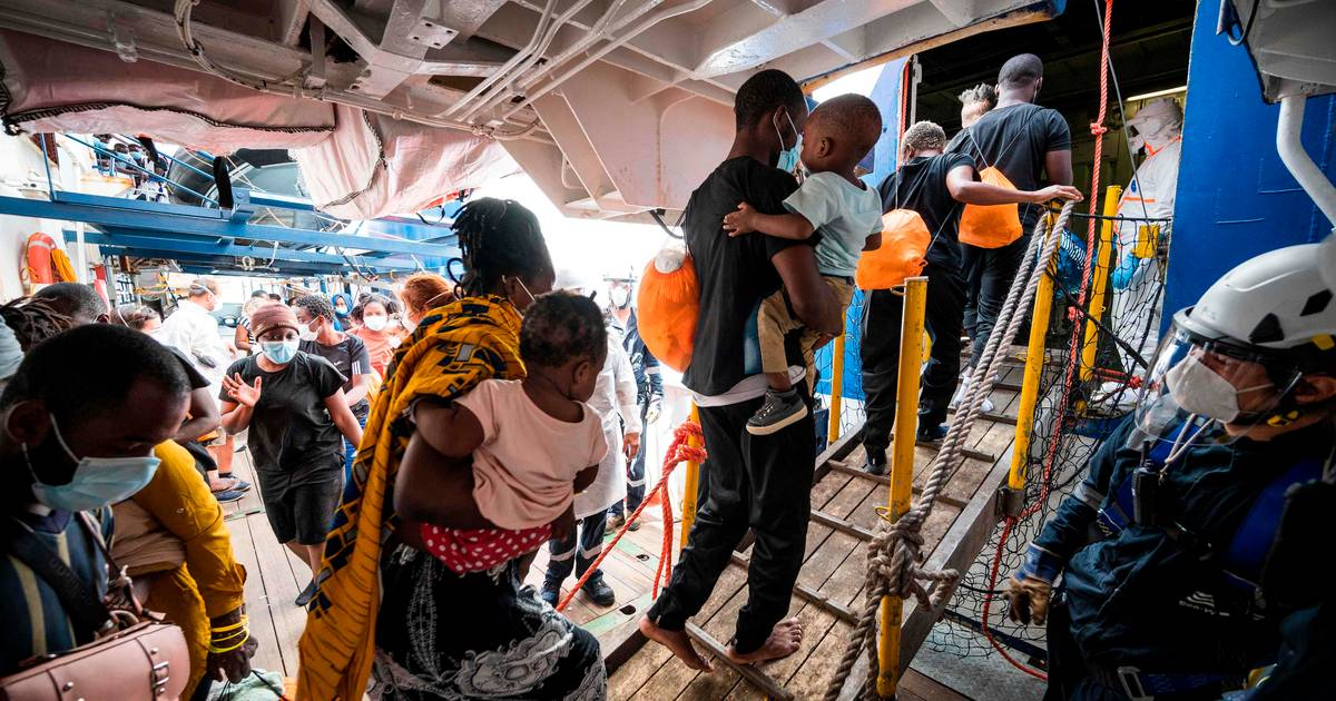 Dozens of migrants rescued off the Libyan coast, 20 missing |  Abroad