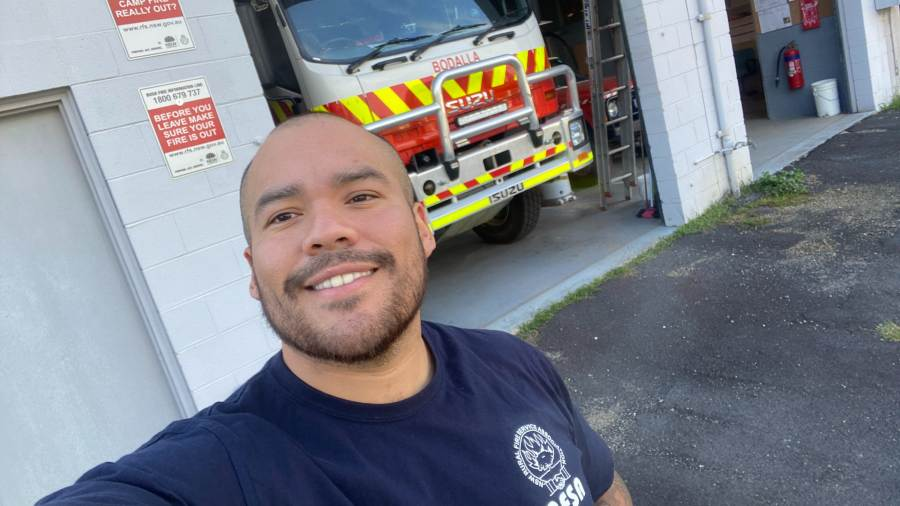 George, a Salvadoran extinguishing fires in Australia