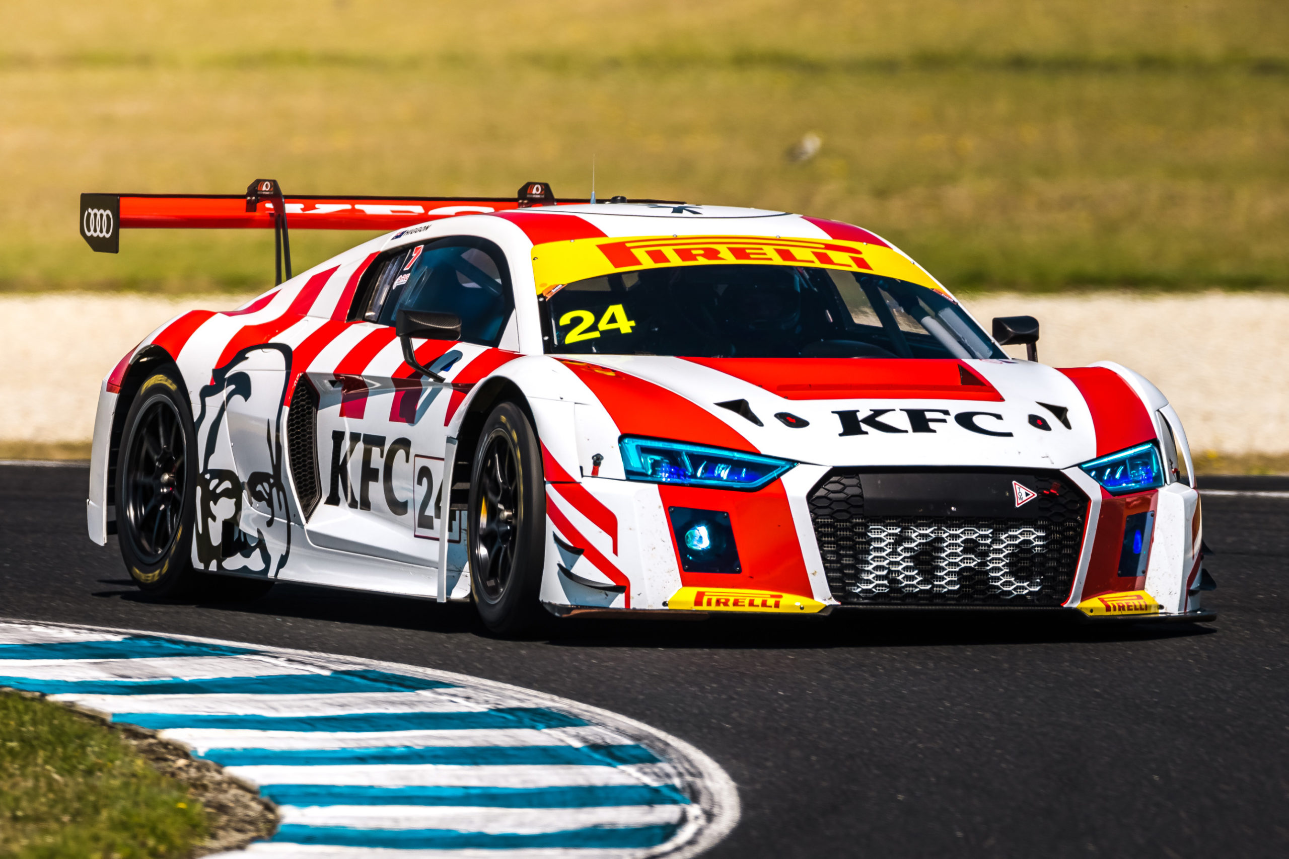 Supercars shine at the 20-car GT Arena on Phillip Island