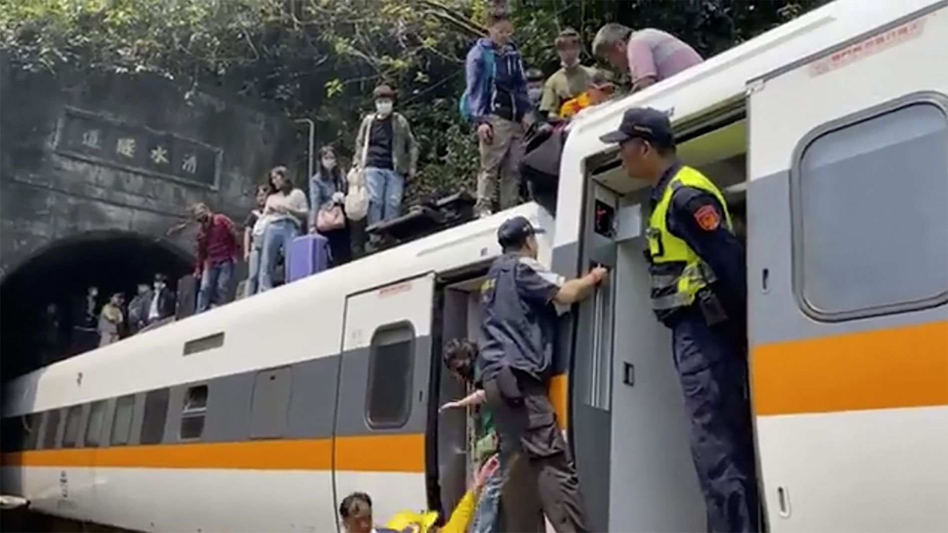 36 died in a train accident in Taiwan: