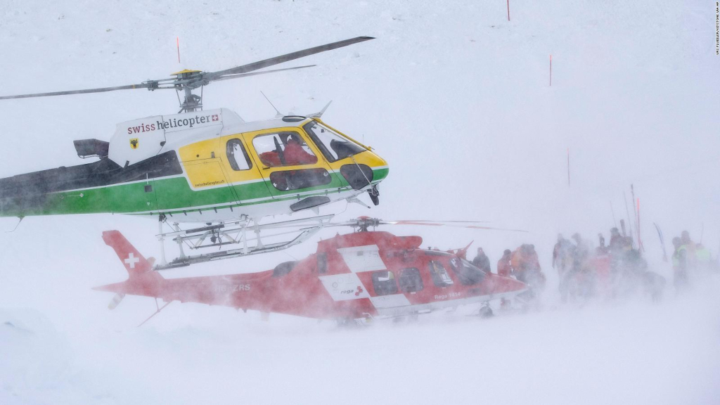 A tense rescue after an avalanche in the Swiss Alps