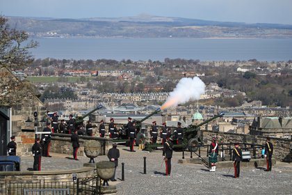 Members of the 105th Royal Artillery Regiment fired cannon fire to commemorate the death of Britain's Prince Philip, Queen Elizabeth's husband, at Edinburgh Castle, Britain, on April 10, 2021. Andrew Milligan / Pool via REUTERS