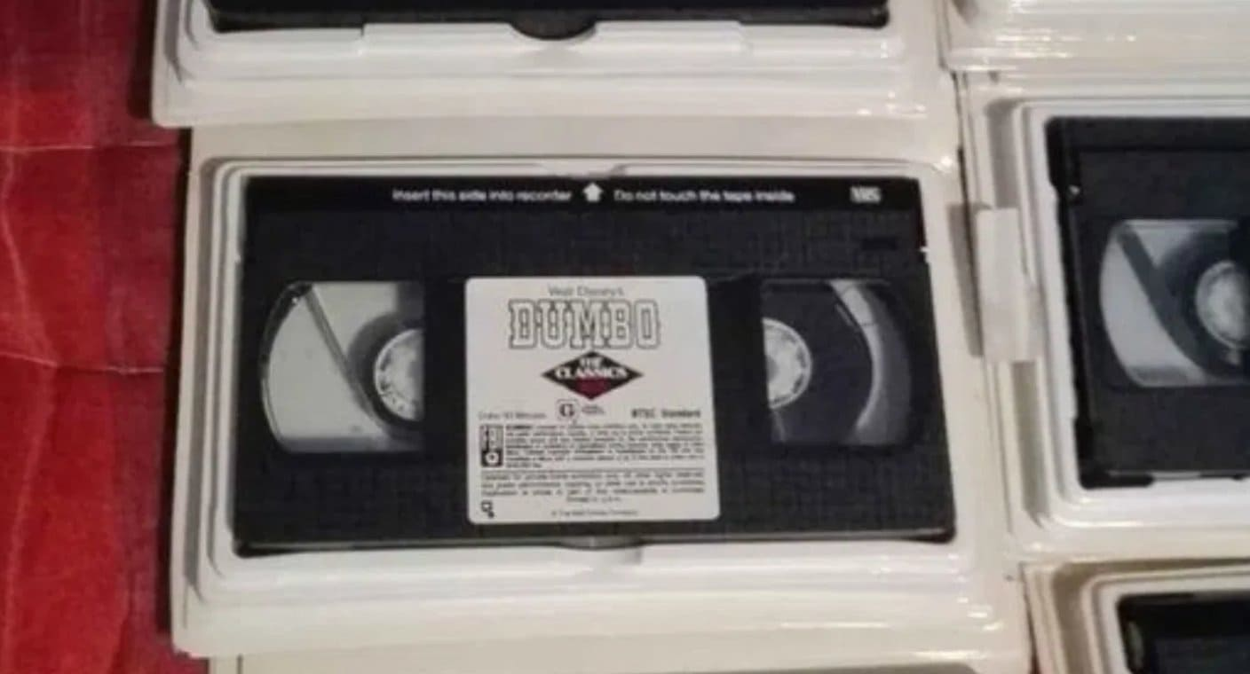 A woman discovers she was wanted by US authorities for not returning a videotape in 1999