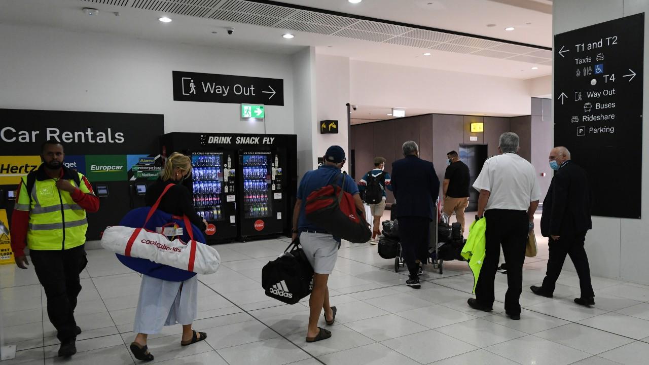 Australia temporarily suspends flights from India due to COVID – Noticieros Televisa