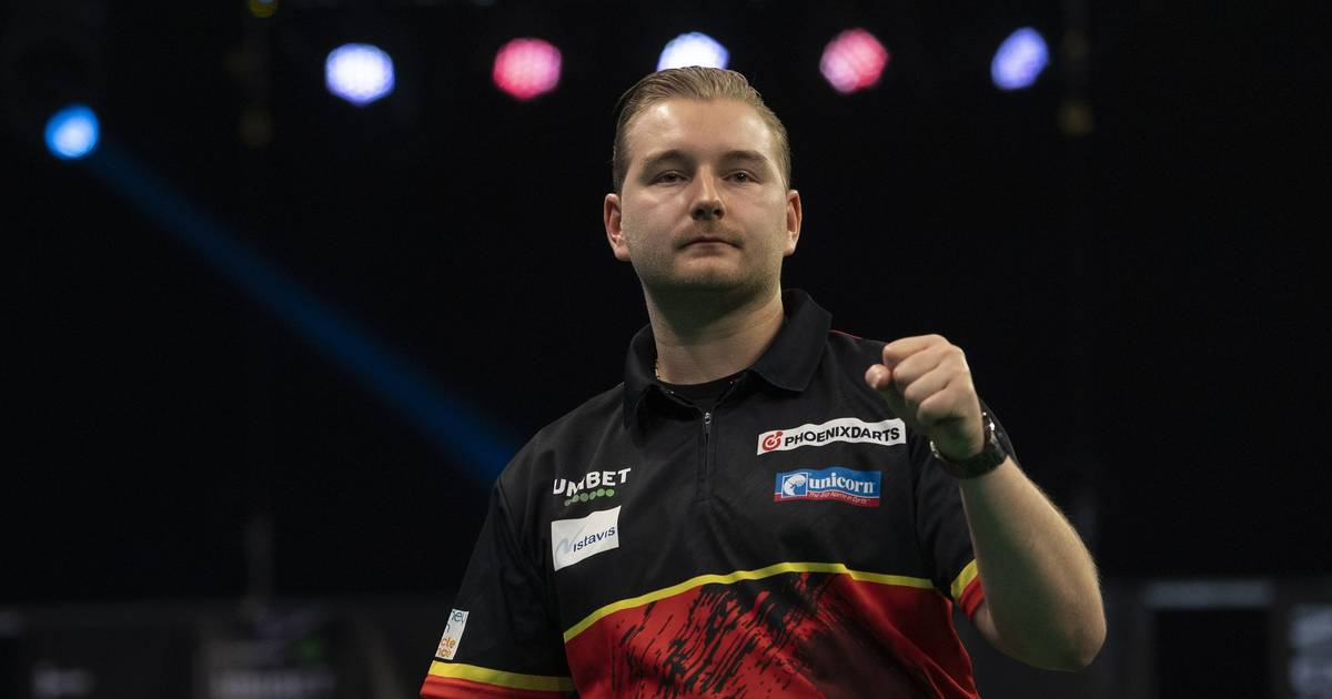 Darts Game, PDC Super Series: Day Four with Max Hopp and Gabriel Clemens
