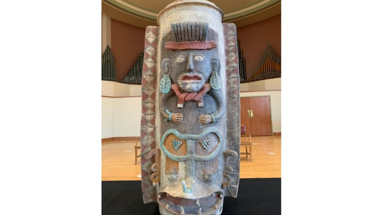 Mexico takes back the Mayan jar that was in the United States