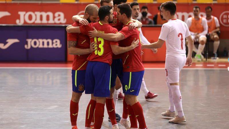 España le mete 14 a Suiza para confirmar el pleno de victorias. EFE