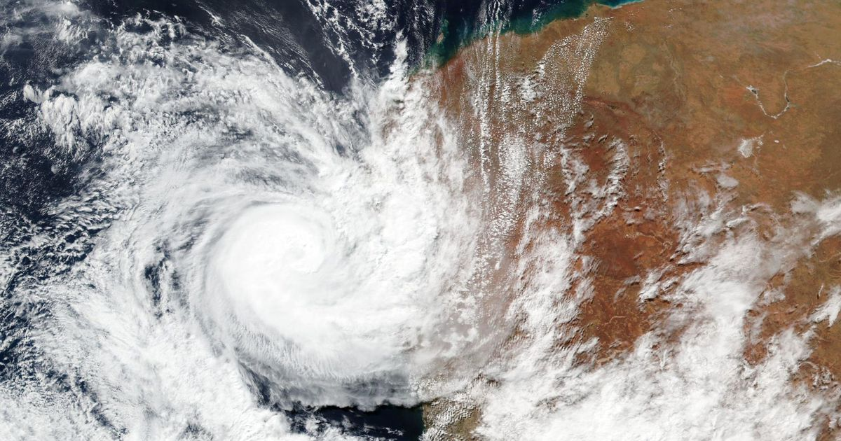 The crushing path of Hurricane Seroja in Australia leaves more than 30,000 people without electricity – El Financiero