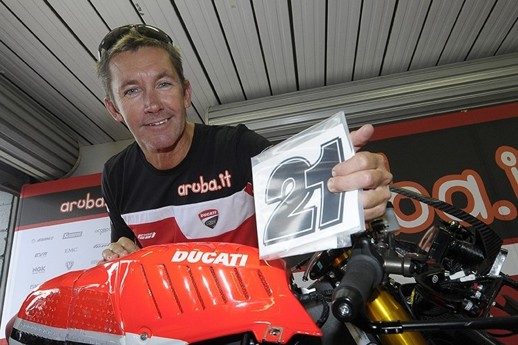 """Troy Baylis: """"Bicycles and Riders Are Always Faster"""" / Superbike World Championship"""