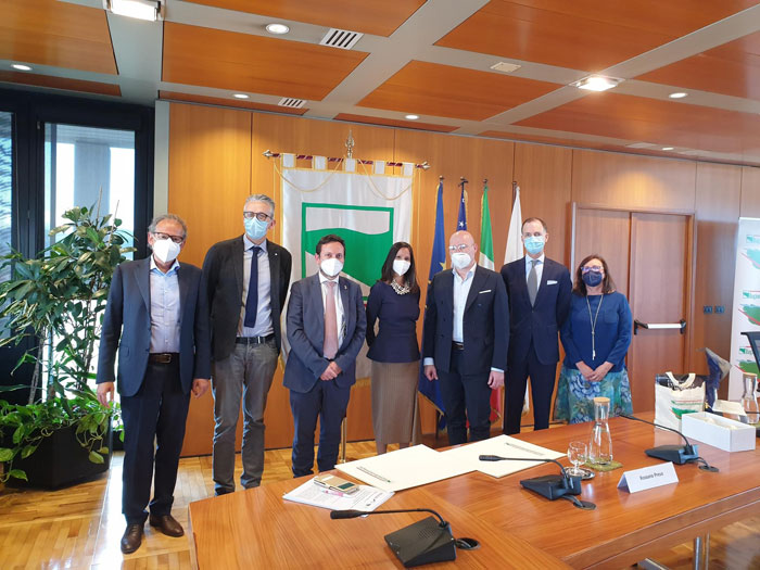 President Bonacini receives in the region the Chargé d'Affairs at the US Embassy in Italy, Thomas Smithham, and US Consul General Ragini Gupta