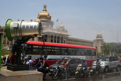 Variant B.1.617 was first detected in India in October 2020, but the fact that it was first described in this country does not mean that this is its origin.  So far, it has already been detected in 21 countries BANGALORE (India) EFE / EPA / JAGADEESH NV