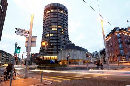 File image.  The headquarters of the Bank for International Settlements (BIS), Basel, Switzerland.  December 5, 2013. Reuters / Arend Wegmann